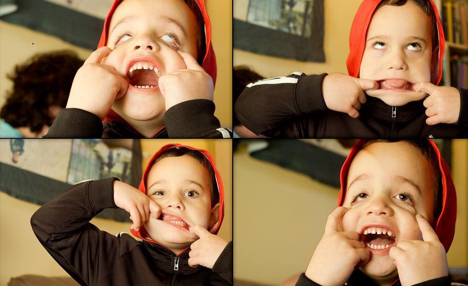 """Der """"Ernst des Lebens"""" kommt später: Fünfjährige wie dieser kleine Grimassenschneider müssen in Deutschland noch nicht in die Schule. Foto: David Goehring / flickr (CC BY 2.0)"""