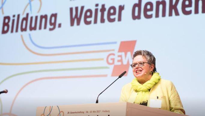 Die alte und neue GEW-Vorsitzende Marlies Tepe auf dem Gewerkschaftstag. Foto: GEW