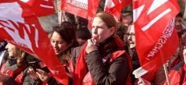 Nach der Einigung im Tarifstreit fordern die Gewerkschaften: Ergebnis jetzt auch auf die Landesbeamten übertragen