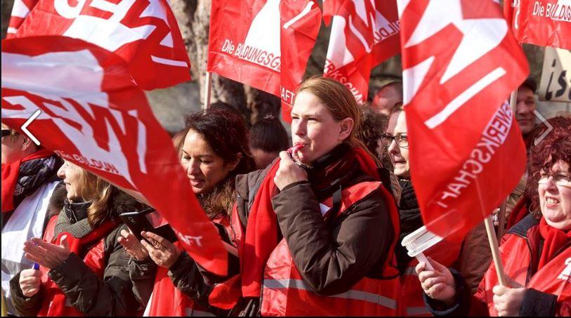 In Hessen wird um die Übertragung des Tarifergebnisses auf die Beamten gerungen. Foto: GEW