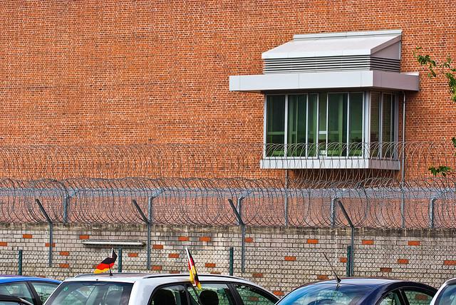 Wie es in einem deutschen Gefängnis zugeht, wollen angehende Juristen am eigenen Leib erfahren. Foto: arne.list / flickr (CC BY-SA 2.0)