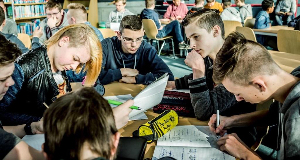 Obwohl nur 17 Prozent der in die 5. Klasse aufgenommenen Schüler eine Gymnasialempfehlunghatten, schafften 60 Prozent den Sprung in die Oberstufe. Schüler der Gesamtschule Barmen. Foto: Deutscher Schulpreis