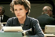 Barbara Sukowa spielt Hannah Arendt. Foto: NFP