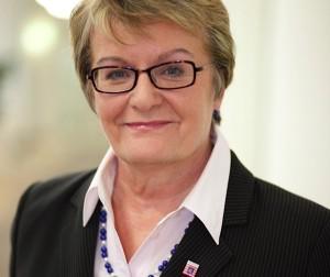Steht schon länger im Mittelpunkt von Spekulationen: Hessens Kultusministerin Dorothea Henzler. Nun kündigte sie ihren Rücktritt an. Foto: Hessisches Kultusministerium