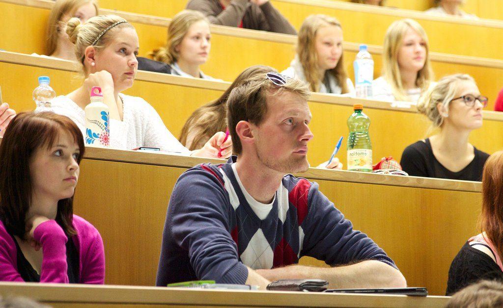 Ob hier jemand G8 oder G9 hinter sich hat, lässt sich kaum feststellen. Foto: Universität Salzburg (PR) / flickr (CC BY 2.0)