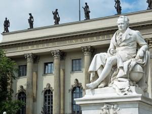 Auch die Berliner Humboldt Universität erfährt Förderung im Rahmen der Exzellenz-Initiative. Foto: Rolf Handke / pixelio.de