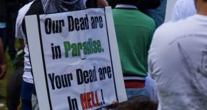 """""""Unsere Toten sind im Paradies. Eure Toten sind in der Hölle.!"""". Auch Grundschüler in Neu-Ulm haben radikale Ansichten geäußert. Foto: Jamie Kennedy / Wikimedia Commons (CC BY 2.0)"""