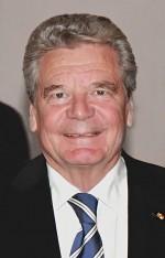 Weihnachtsbaum eingeweiht: Bundespräsident Joachim Gauck. (J.PatrickFischerWikimedia CC BY-SA 3.0)