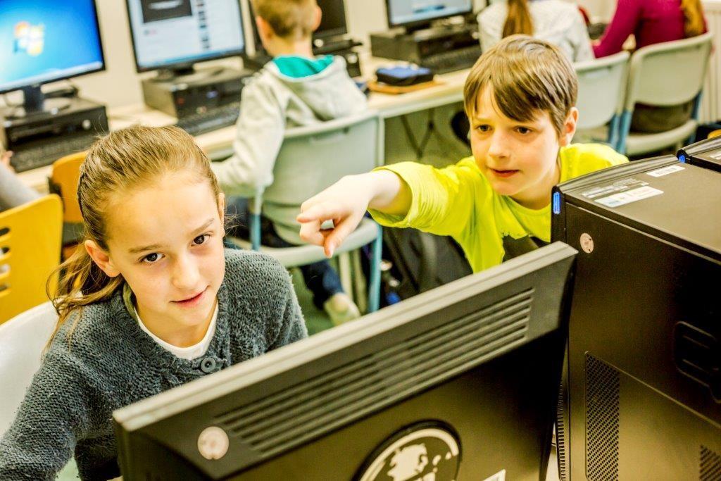 Schüler an der Jenaplanschule arbeiten sehr eigenständig. (Foto: Deutscher Schulpreis/ Theodor Barth)