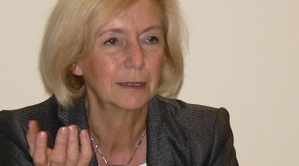 Macht mobil gegen Analphabetismus: Bundesbildungsministerin Johanna Wanka. Foto: Axel Hindemith / Wikimedia Commons Creative Commons (CC-by-sa-3.0)
