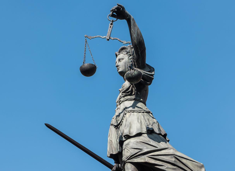Dass deutsche Gerichte überlastet sind, ist bei solchen Fällen kein Wunder. Foto: Vassilena Valchanova / flickr (CC BY-NC-SA 2.0)