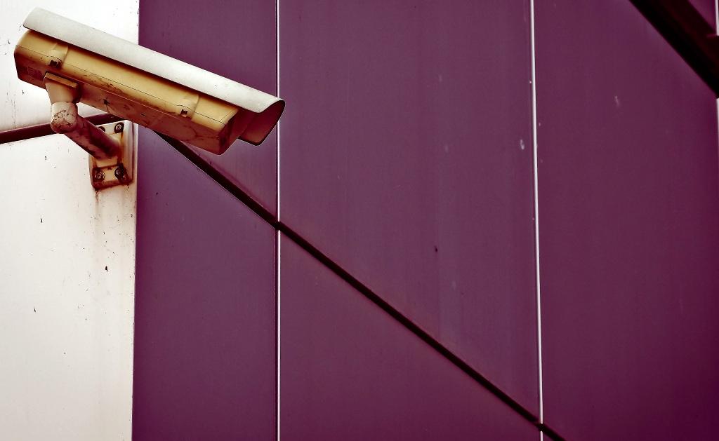 Schüler und Lehrer haben grundsätzlich das Recht, sich unbeobachtet an der Schule zu bewegen. Foto: MichaelGaida / Pixabay (CC0 1.0)
