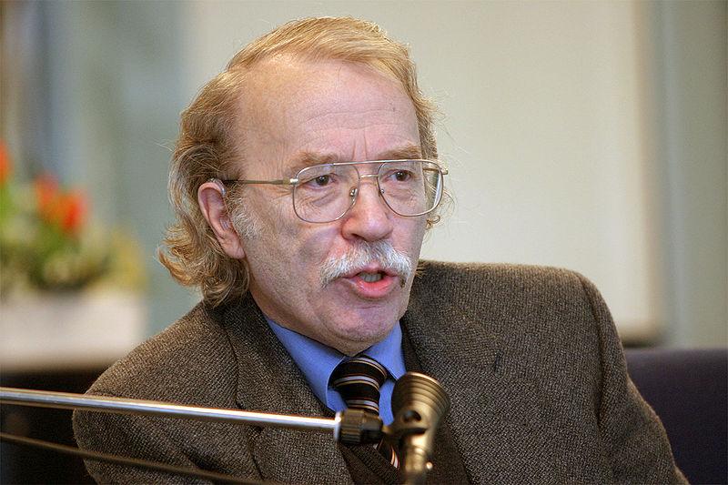 Kempowski wurde vor allem durch seine stark autobiografisch geprägten Romane der Deutschen Chronik bekannt. Foto: Wikimedia Commons / Primary Master