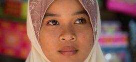 """Frauenrechtsorganisation fordert Kopftuch-Verbot für Schülerinnen: """"Das Recht auf Kindheit muss gewahrt bleiben"""""""
