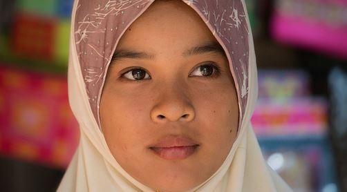 Kann (und soll) Schülerinnen das Kopftuch verboten werden?