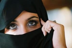 Kopftücher und Schleier sind im Schuldienst in der Regel verboten - bleibt das so? Foto: Ranoush / flickr (CC BY-SA 2.0)