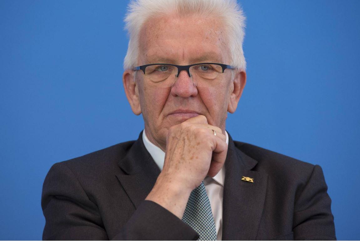 Hat die Forderung seiner Kultusministerin über die Medien vermittelt bekommen: Ministerpräsident Wilfried Kretschmann. Foto: Bundesrat, Henning Schacht / flickr (CC BY-NC-SA 2.0)