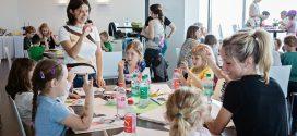 """Besser Handschreiben: """"Kritzelpaten"""" trainieren mit Vorschulkindern spielerisch die Feinmotorik"""