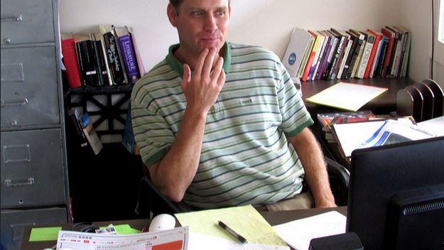 Unbezahlte Überstunden - vor allem am Schreibtisch zu Hause - gehören zum Lehrer-Alltag. Foto: vickysandoval22 / flickr (CC BY 2.0)
