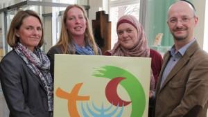 Vorreiter: Lehrer aus dem Kollegium der neuen Drei-Religionen-Schule. Foto: Bistum Osnabrück