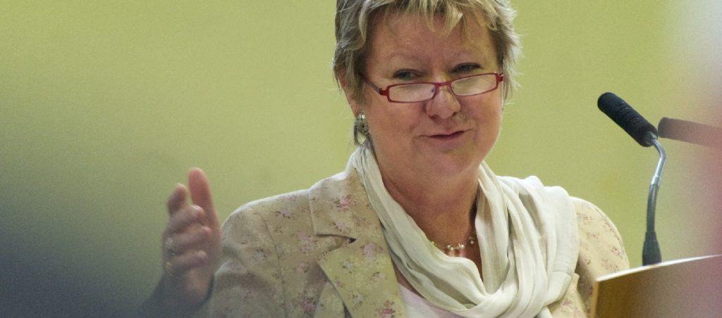 Mischt gerade mal die Debatte um G8 auf: NRW-Schulministerin Sylvia Löhrmann. Foto: Maik Meid / flickr (CC BY-SA 2.0)