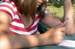 Viele Schüler könnten nicht mehr beschwerdefrei schreiben, meint die brandenburgische CDU und fordert daher eine feinmotorische Förderung bereits im Vorschulalter. Foto: ruthsteiner / flickr (CC BY-SA 2.0)