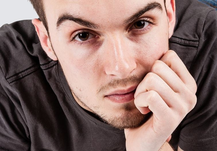 Angehöriger einer Risikogruppe: junger Mann. Foto: Foto: Dbl / Flickr (CC-BY-NC-ND-2.0)
