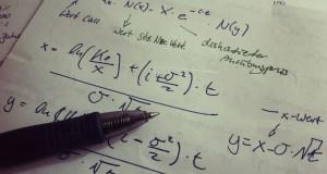 Mathematik ist für viele Menschen ein Buch mit sieben Siegeln. Foto: marco51186 / Flickr (CC BY 2.0)