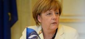 Merkel besucht Schule (anlässlich des EU-Projekttags) und meint: Im Unterricht muss mehr über Europa gesprochen werden