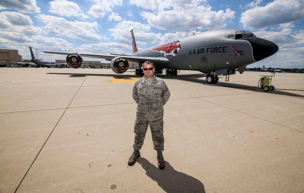 Eine Air Force Base kann für Jugendliche ein spannender Ort sein, aber sicher nicht jeder wünscht sich für seine Kinder einen Schüleraufenthalt dort. Foto: Matt Hecht / flickr (Public Domain)