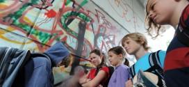 Bildungsministerin Wende warnt vor Mobbing an Schulen