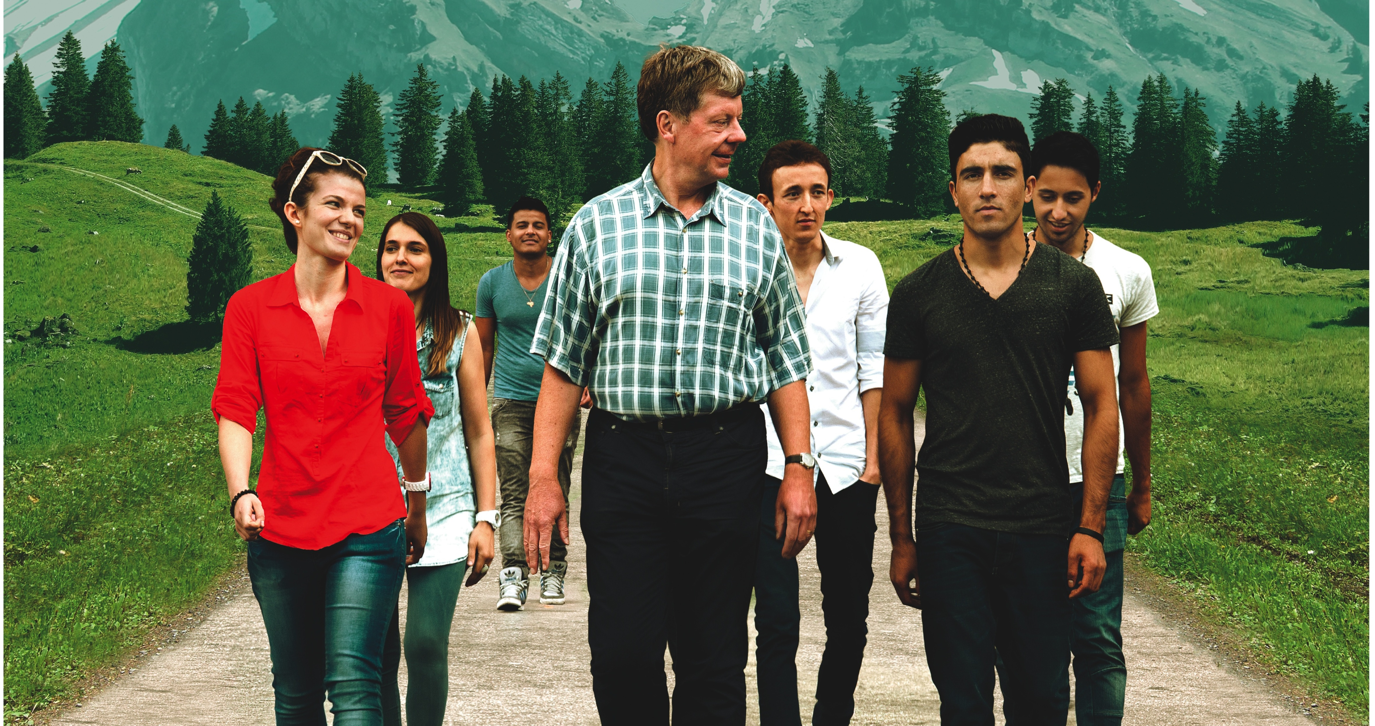 Herr Zingg und seine Schüler machen einen Ausflug in die Berge. (Foto: RiseandShine)