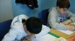 Hilfe beim Lernstoff ist bei der Unterstützung von Flüchtlingskindern nur das Eine (Symbolbild). Foto: VNN Bundesverband der Nachhilfe- und Nachmittagsschulen e.V.