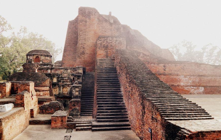 Sieben Jahrhunderte lang das größte Bildungszentrum der Welt: Nalanda. Foto: Sayak sen / Wikimedia Commons (CC BY-SA 4.0)