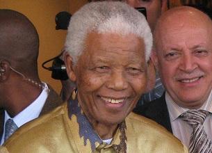 """""""Nicht die Gewehrkugeln und Generäle machen Geschichte, sondern die Massen"""" - Zitat von Nelson Mandela. Foto: Wikimedia Commons / South Africa The good news / (CC BY 2.0)"""