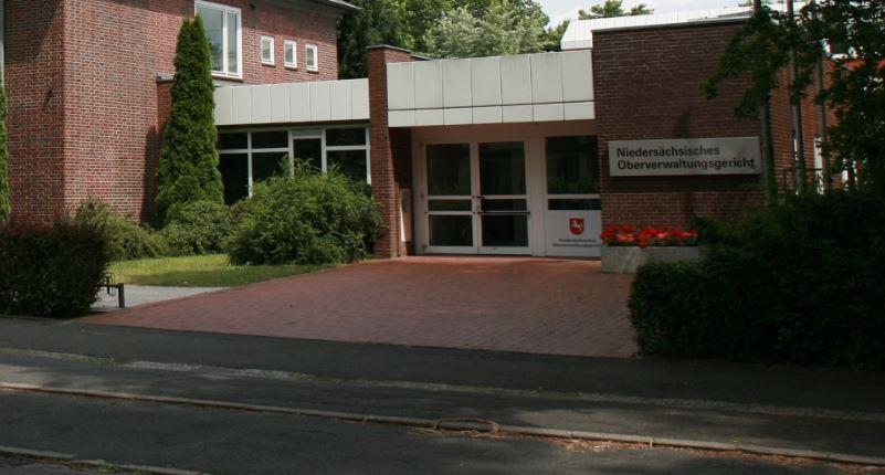 Hier wurde gestern zur Arbeitszeit von Gymnasiallehrern geurteilt: Oberverwaltungsgericht Lüneburg. Foto: Bubo / Wikimedia Commons (CC BY-SA 3.0)