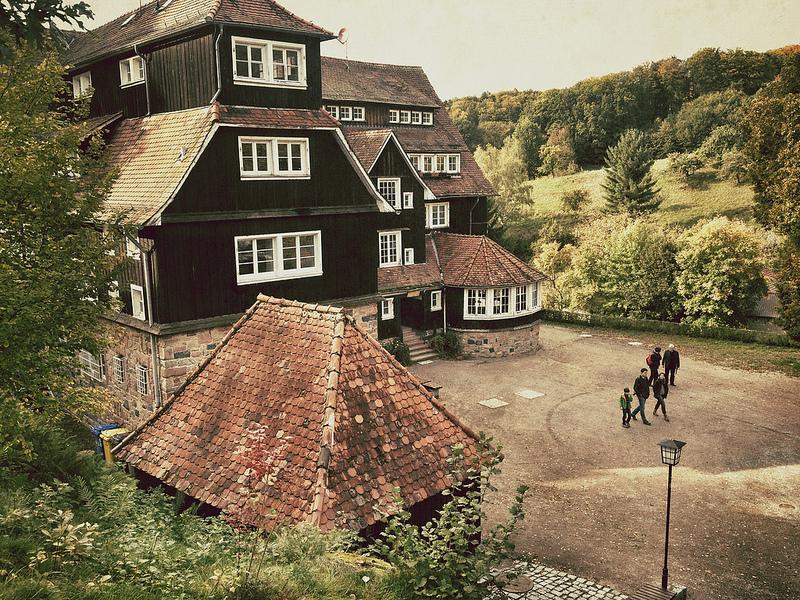 Das Idyll trügt: Um die Odenwaldschule wird heftig gerungen. Foto: Jakob Montrasio / flickr (CC BY 2.0)