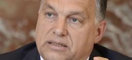 Protest gegen Orbáns rigide Bildungspolitik: Lehrer legen Arbeit nieder – und tragen Karo