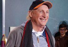 """Komiker Otto Waalkes (69) ist erst im Studium von der Schule zur Bühne """"hinübergeschlüpft"""". Foto: 9EkieraM1 / Wikimedia Commons (CC BY-SA 3.0)"""
