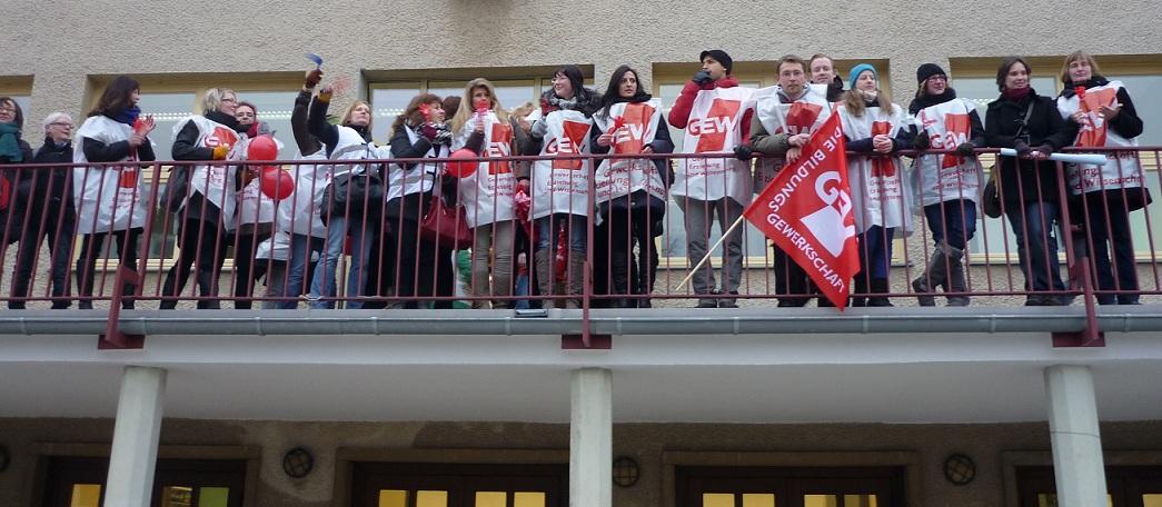 Streikende Lehrer an einer Berliner Schule in der vergangenen Woche. Foto: GEW Berlin