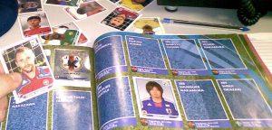 Erlauben oder Verbieten. Schulen gehen mit dem Tauschen von Panini-Fußball-Bildern unterschiedlich um. (Archivbild). Foto: Silveira Neto / flickr (CC BY-SA 2.0)