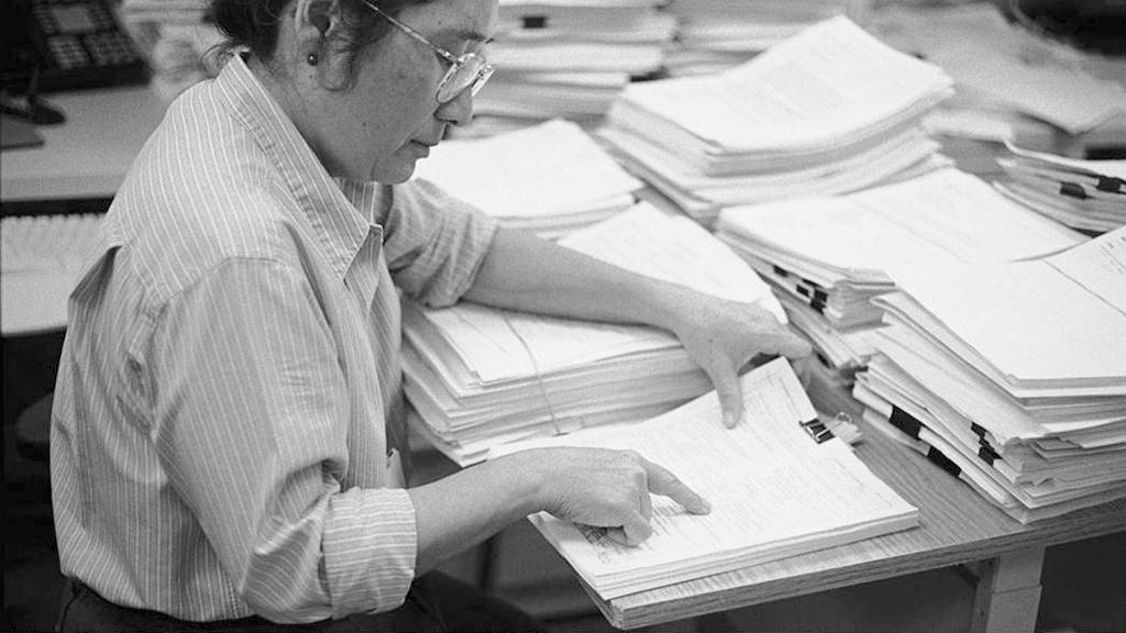 Das Peer-Review-Verfahren ist bei der Beurteilung wissenschaftlicher Publikationen weit verbreitet, aber nicht kritiklos. Foto: Center for Scientific Review / Wikimedia Commons