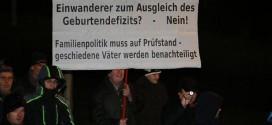 Kulturvertreter warnen vor eskalierender Fremdenfeindlichkeit in Sachsen – Tumulte vor Grundschule
