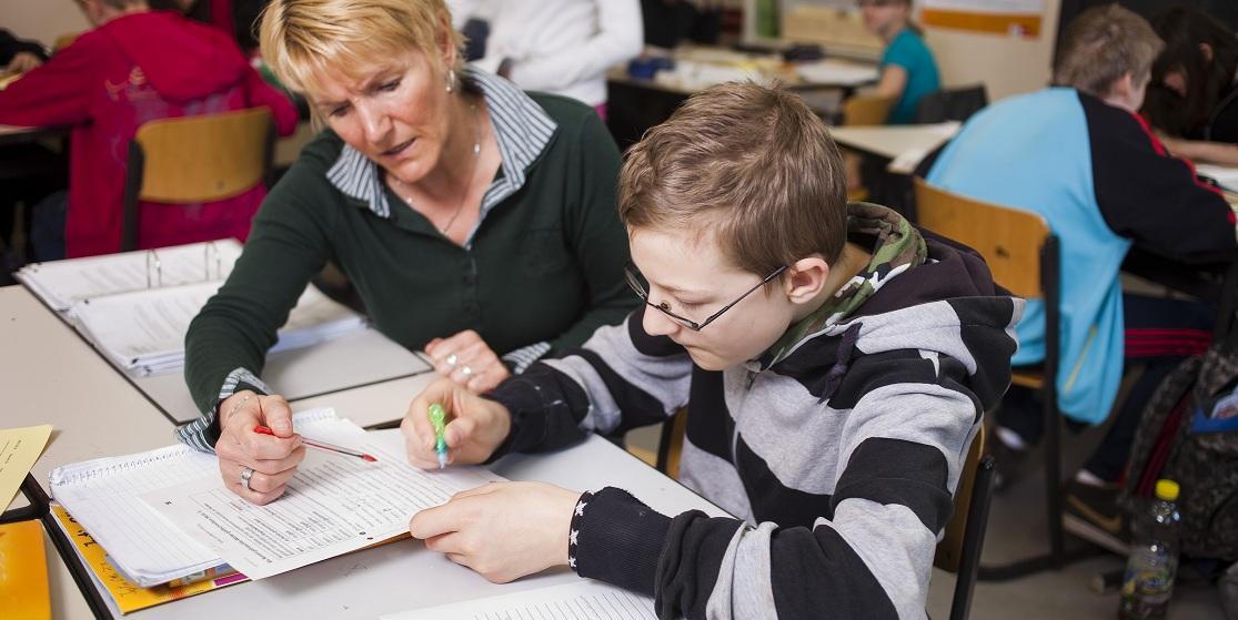 Mit dem Deutschen Schulpreis werden alljährlich Lehrerleistungen ausgezeichnet, hier ein Foto aus der 2011 ausgezeichneten Heinz-Brandt-Schule, Berlin. Foto: Deutscher Schulpreis, Theodor Barth