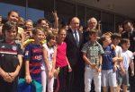 Symbolhafter Schulbesuch: Putin inmitten der deutschen und russischen Schüler. Foto: Deutsche Schule in Moskau