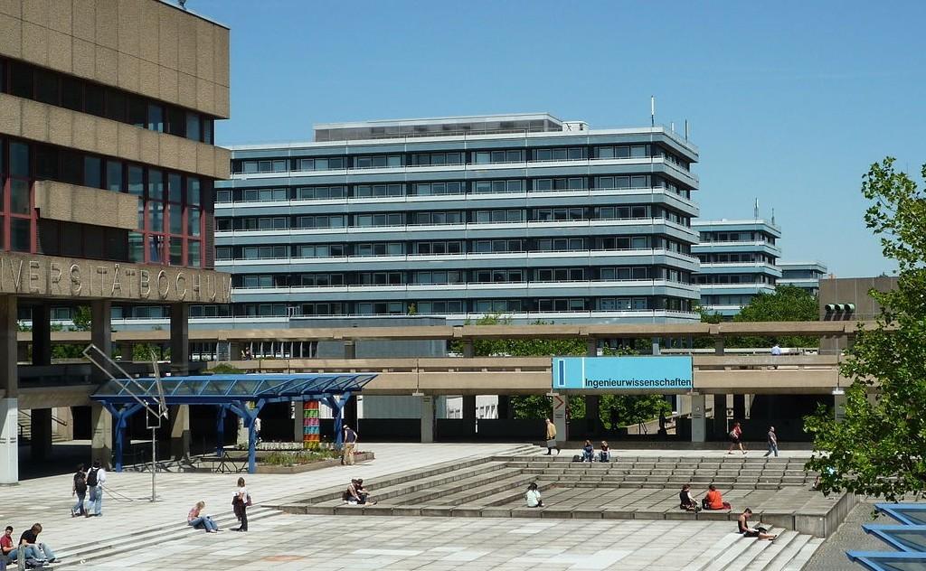 Neue Perspektive: die Ruhr-Universität Bochum. Foto: M / Wikimedia Commons
