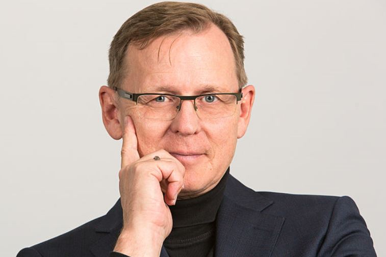 Seine Legasthenie wurde erst mit 19 diagnostiziert: Thüringens Ministerpräsident Bodo Ramelow. Foto: DiG / TRIALON / Wikimedia Commons (CC BY 3.0)