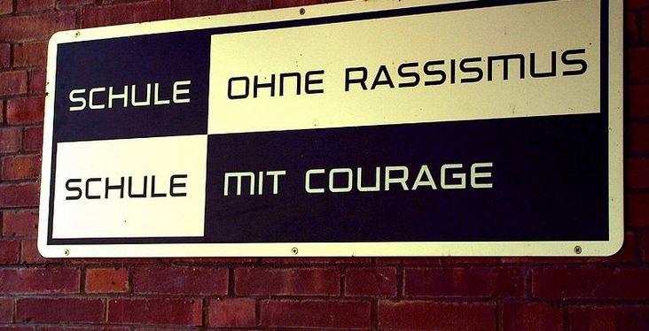 """Ein AfD-Funktionär übernimmt Rektoren-Stelle in Bayern – ausgerechnet von einer """"Schule gegen Rassismus"""" (Migrantenanteil 50 Prozent)"""