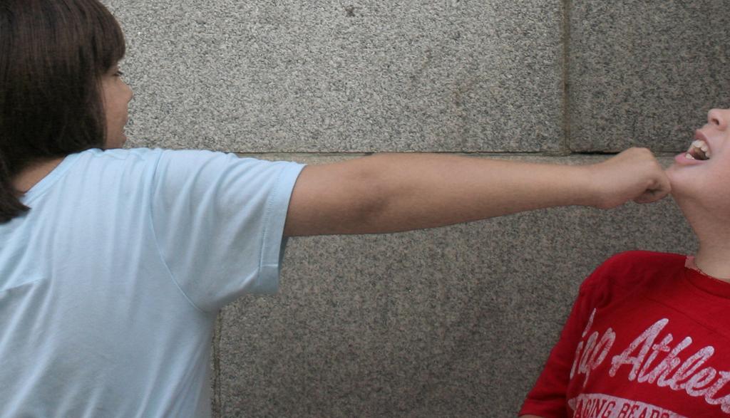 Gewalt auf dem Schulhof liegen oft tiefere Probleme zugrunde. Foto: danxoneil (CC BY 2.0)