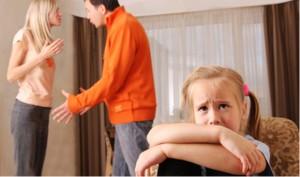 Die Trennung der Eltern ist für Kinder immer schlimm. Die Schule kann ein stabilisierender Faktor sein. Foto: Praveen Kumar/flickr (CC BY 2.0)